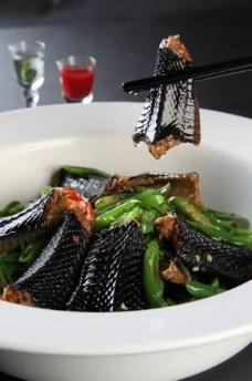 青椒焖蛇图片