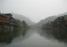 烟雨沱江图片