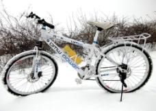 雪地自行车图片