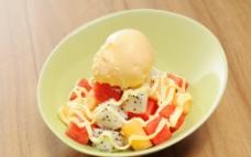 冰激凌果缤粉色拉图片