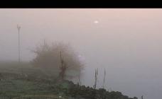 冬日河边云雾背景视频