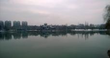 龙湖公园雪景图片