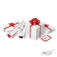 白色礼盒和医生