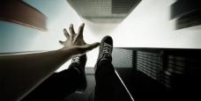 跳楼自杀图片