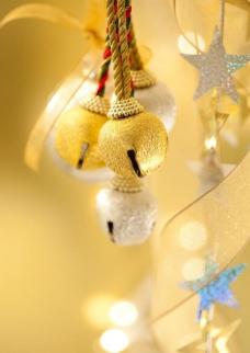 金色圣诞球背景图片