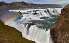 瀑布彩虹图片