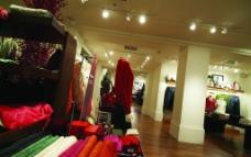 衣服卖场图片