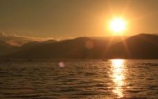 平静的日落图片