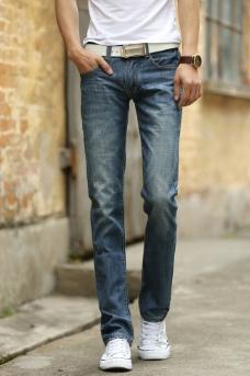 男士牛仔裤图片