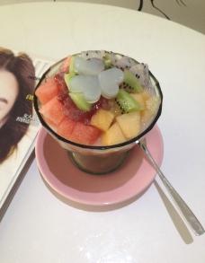 甜品水果捞图片